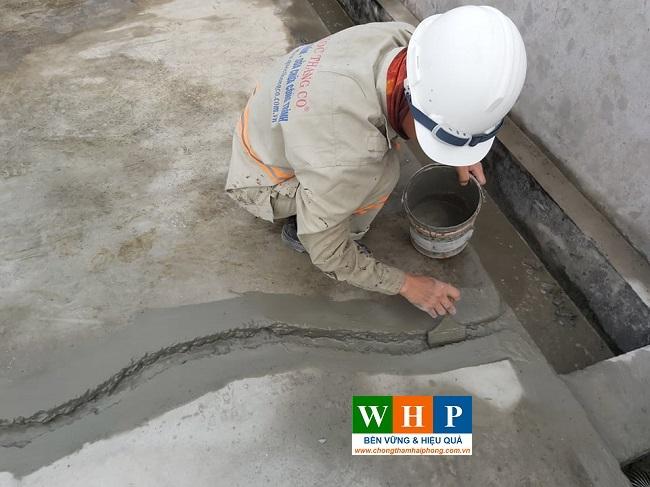 Trám chít chỉnh sửa bề mặt trước khi chống thấm